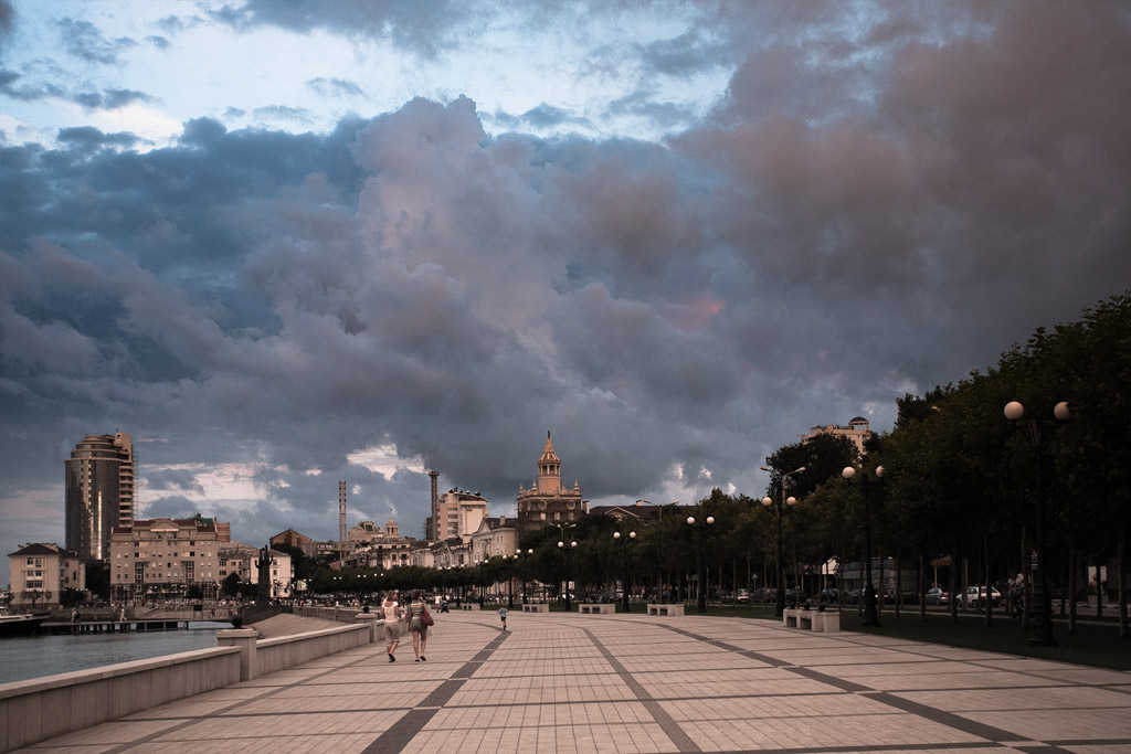 Новороссийск. Набережная вечером. фото Андрей Бондаренко