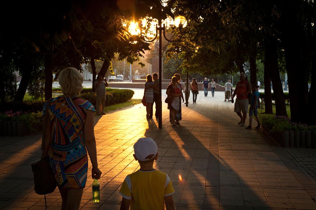 Новороссийск. Аллея на ул. Советов. фото Андрей Бондаренко